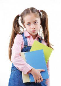 طفلي لا يحب معلمته .. ماذا أفعل؟
