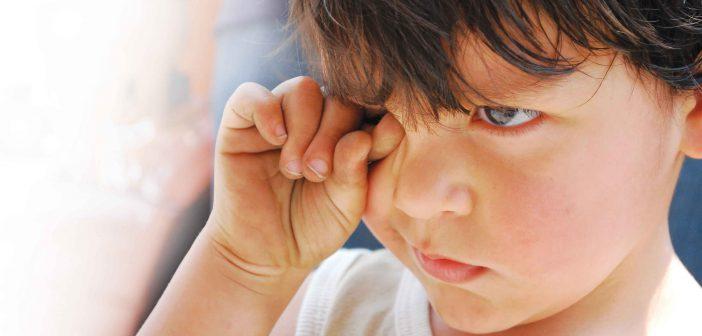 كيف تساعد الطفل على تجاوز فقدان الام أو الاب ؟