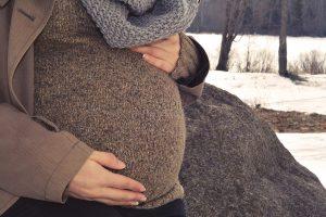 تحجر البطن عند الحامل وأسبابه وطرق التخلص منه