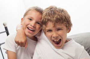 نصائح مهمة لإبعاد ابنك عن اصدقاء السوء