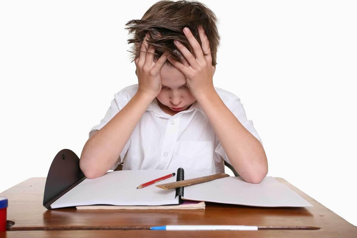 نصائح لتدريب الطفل على الاعتماد على النفس في الدراسة