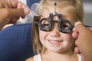 الاستجماتيزم عند الاطفال وأعراضه وطرق العلاج طبياً وطبيعياً