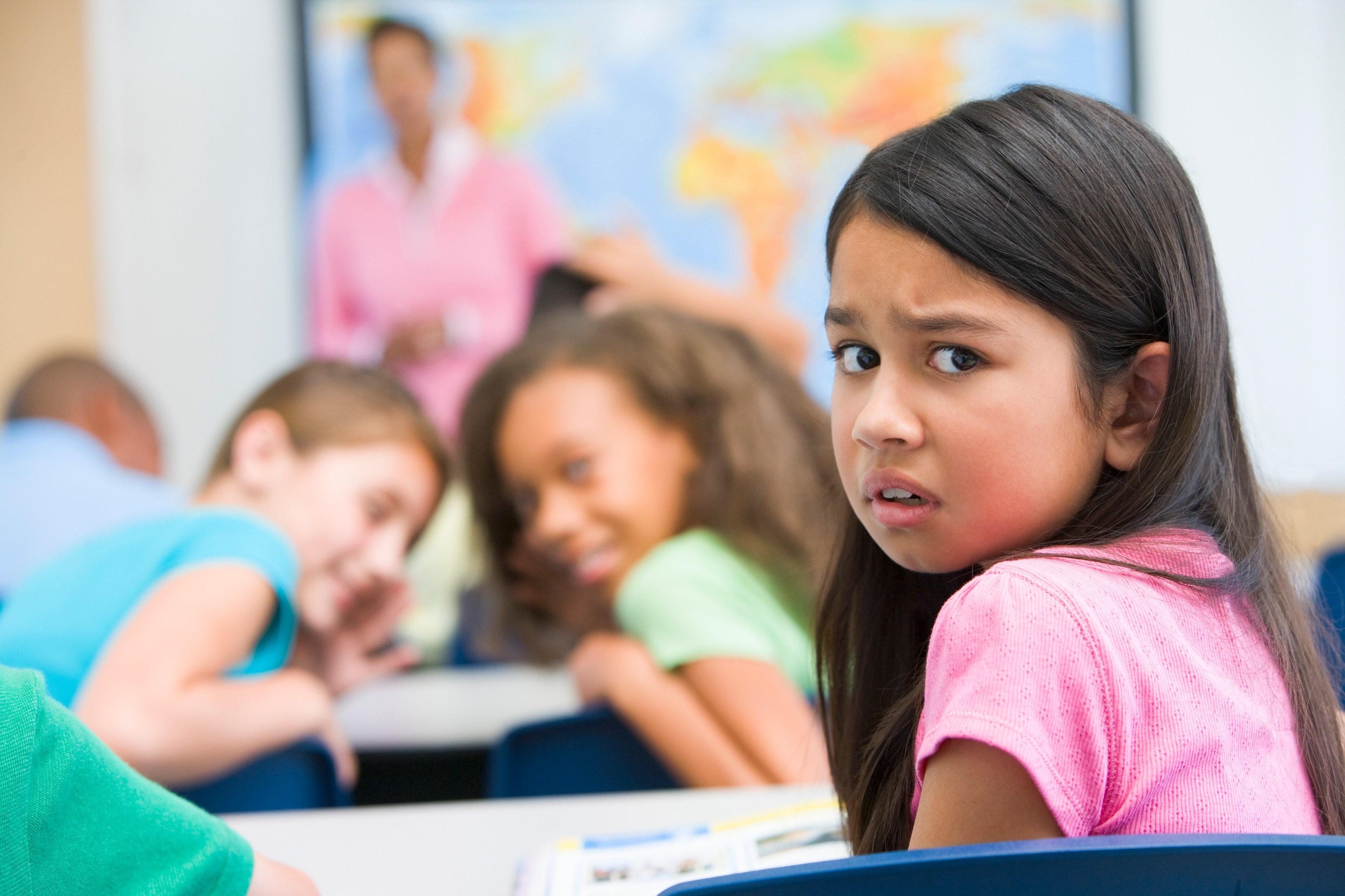 طفلي يتعرض للضرب بالمدرسة ماذا أفعل؟