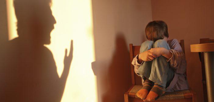 كيف نتخلص من الشعور بالذنب بعد عقاب الاطفال