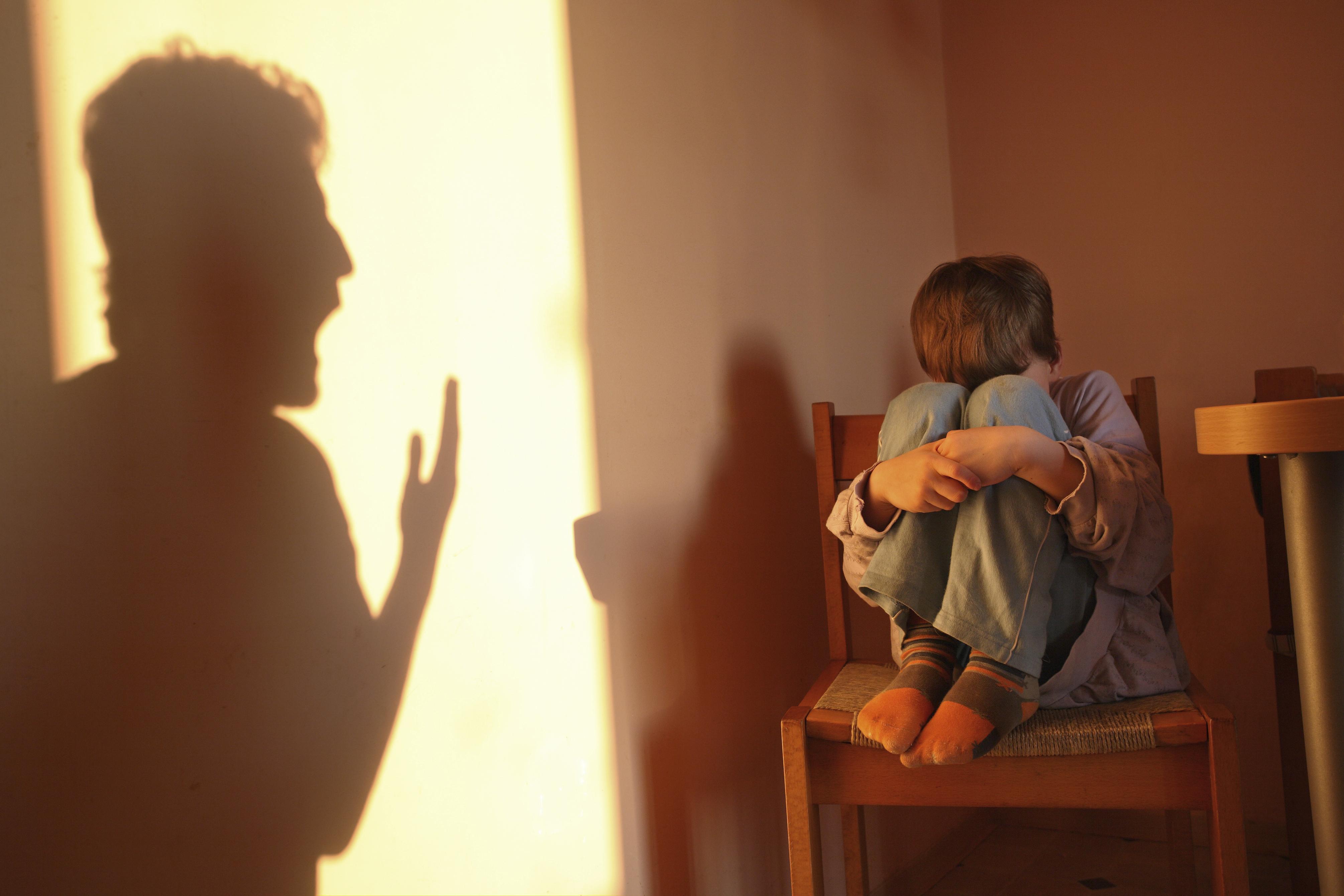 Photo of كيف نتخلص من الشعور بالذنب بعد عقاب الاطفال