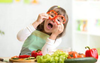 وجبات خفيفة وصحية لتقنعي طفلك بها