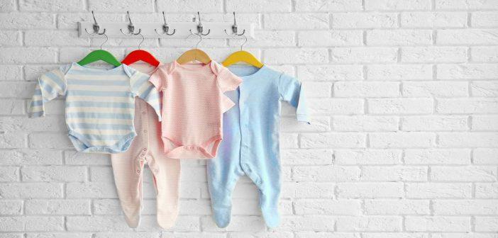 عدد قطع ملابس المولود الجديد في الشتاء