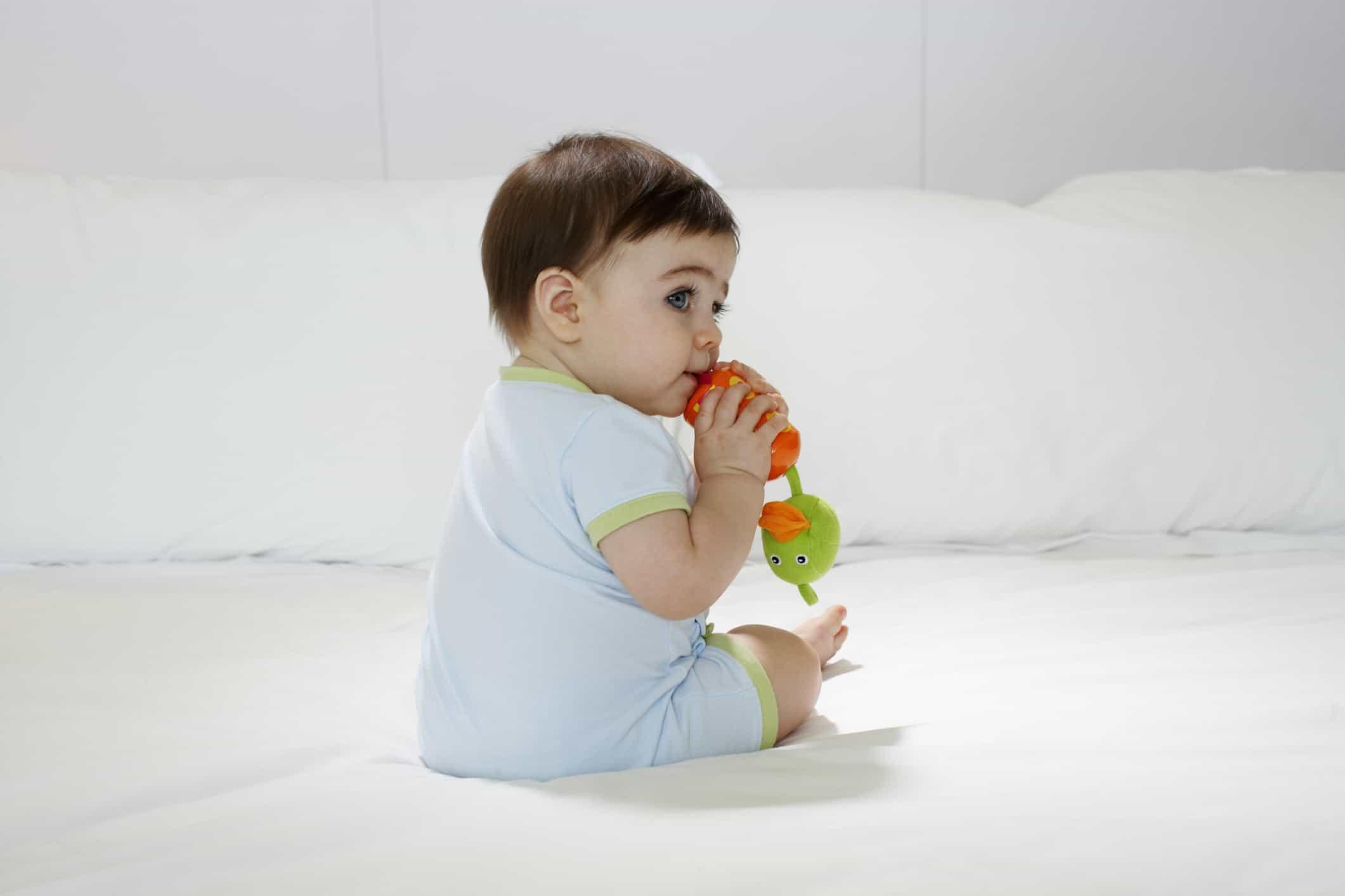 Photo of تربية الاطفال في عمر السنة وكيفية التعامل معهم