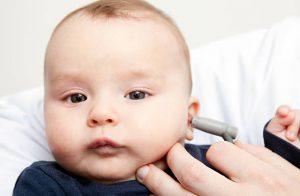 ثقب طبلة الاذن هل طفلك مصاب بها وأنتِ لا تعلمين؟