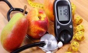 نصائح طبية لصيام مريض الضغط والسكر في رمضان بشكل صحي