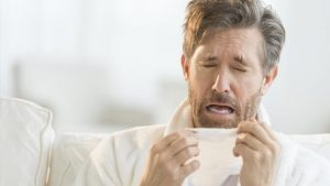 علاج التهاب الحلق واللوزتين وطرق الوقاية