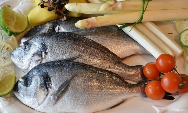 نصائح لتنظيف السمك الطازج